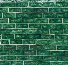 New Photo Ceramics Tile green Tips New No Cost Ceramics Tile green Style Installing ceramic tile can be tricky. Brick Tiles, Wall Tiles, Dark Green Bathrooms, Fish Scale Tile, Pottery Courses, Pottery Store, Unique Tile, Tiles Texture, White Concrete