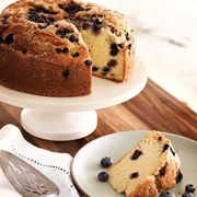 Valerie Bertinelli's Buttermilk Blueberry Cake - This cake is full of sweetness and is surprisingly light, clocking in at just 188 calories per serving.
