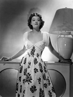 Myrna Loy 1939 in Another Thin Man.she was adorable Hollywood Fashion, Old Hollywood Glamour, Golden Age Of Hollywood, Vintage Hollywood, Hollywood Stars, Hollywood Actresses, Classic Hollywood, Hollywood Divas, Myrna Loy
