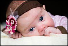 felt flower headband... so easy to make.... great baby gift idea