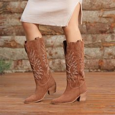 Akranes Süet Taba Renkli Diz Altı Western Topuklu Çizme  #brown #suede #boots #heels #longboots #western #kahverengi #süet #topuklu #çizme #kovboy Western Boots, Cowboy Boots, Tabata, Shoes, Fashion, Moda, Zapatos, Shoes Outlet, Fashion Styles