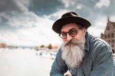 Zürich with clouds  ph Alexander Palacios  #geroldbrenner #alexanderpalacios #lookatpalacios #shooting #zürich #beard #vearded #beardman #beardporn #beardlove #beardlife #beardofinstagram #beardedbrother #menwithbeard #whitbeard #septum #septumman #glaases #calvinklien hat #menwithhat #portrait #moustage #levis #denim #beardseptum