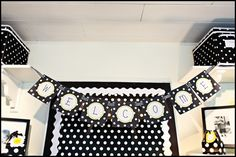 This room is my inspiration - click on link to see more pictures - I love the black/white polka dot daisy theme - could use bees also to complement