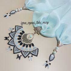 ~•~ MZY TAKI TASARIM ~•~ @igne_oyasi_taki_mzy Instagram 💙Yaz renkleri ile devam ediyoruz💙 Sipariş için➡️DM lütfen ~~ ~~ ~~ #göznuru #nişanbohçası #elemeği #... #yooying Reclaimed Wood Wall Art, Jewelry Tags, Needle Lace, Schmuck Design, Beauty Secrets, Crochet Necklace, Jewelry Design, Instagram, Handmade