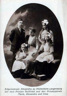 Princess Alexandra of Hohenlohe-Langenburg and her children.