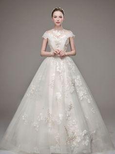 Romantic brides will find this royalty-inspired wedding dress from Raina Wedding hard to resist! Elegant Ball Gowns, Elegant Wedding Dress, Modest Wedding Dresses, Perfect Wedding Dress, Wedding Gowns, Diy Wedding, Wedding Ceremony, Wedding Stuff, Wedding Ideas
