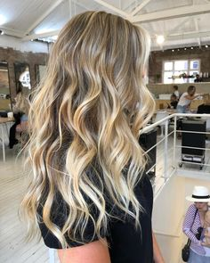 """Joel Wallbank on Instagram: """"A seam less blonde melt, using baby lights and balayage to create light and dark for contrast and texture. Coloured by me using…"""" Brunette With Blonde Highlights, Light Blonde Balayage, Blonde Tips, Balayage Hair, Baby Highlights, Hair Lights, Light Hair, Blonde Hair Looks, Dark Blonde Hair"""