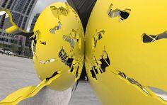 Rotterdam krijgt zoenende 'ballen' voor het station – Metro