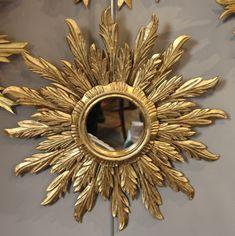 French vintage gilt wood mirror Round mirror Sunburst mirror Decor Gold accents Sun mirror Gilt mirror Gold frame mirror Antique mirror