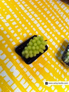 How to Make Miniature Grape Clusters