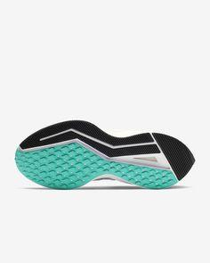 Nike Air Zoom Winflo 6 Women's Running Shoe. Nike.com Crossfit Challenge, Nike Running Shoes Women, Air Zoom, Blue Fashion, Fun Workouts, Snug Fit, Nike Air, Heels, Heel