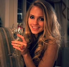 Emilie Voe Nereng's night out - Imgur
