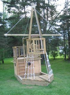 Play Ship. Know how many parents would not let there kids on this thing in today's age? #kidsplayhouseplans