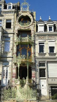 BRUSSELS: Art Nouveau - Detail of Maison St Cyr. Built between 1901 and 1903. Architect Gustave Strauven. #Brussels #Bruxelles #Brussel.