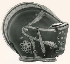English    Close Helmet, c. 1610/20    Steel- Art Institute of Chicago