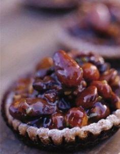 crostatine con frutta secca caramellata