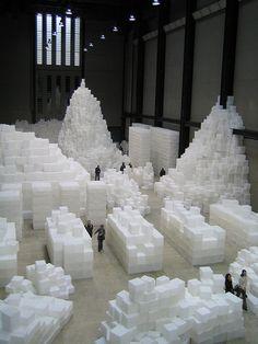 Rachel Whiteread Embankment, 2005 14,000 polyethylene boxes installed in the Tate Modern hall.