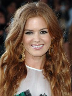 Isla Fisher Hairstyles - June 25, 2009 - DailyMakeover.com