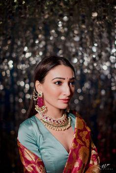 Tips Tricks To Style A Trendy Mehndi/Haldi Lehenga! Indian Bridal Outfits, Indian Designer Outfits, Wedding Outfits, Wedding Dresses, Wedding Looks, Bridal Looks, Indian Fashion, Diy Fashion, Indian Wedding Photography