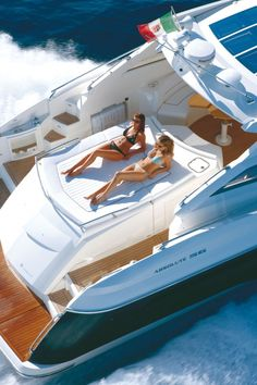 56STC - Absolute Luxury Yachts Sport Cruiser