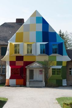 Werner Aisslinger: House of the future, Haus am Waldsee di Berlino Future House, Interior Architecture, Interior And Exterior, Interior Design, Colourful Buildings, Colorful Houses, Unusual Homes, House Colors, Around The Worlds