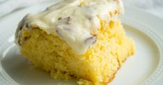 One ingredient was said to be his favorite. Elvis Cakes, Elvis Presley Cake, Cooked Pineapple, Pineapple Cake, Just Desserts, Delicious Desserts, Dessert Recipes, Yummy Recipes, Poke Cakes