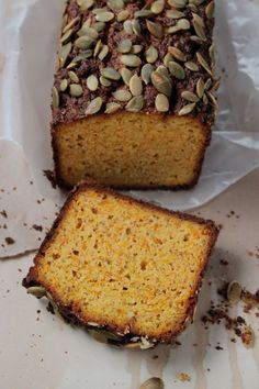 You don't have to wait until autumn to enjoy this Paleo Pumpkin Bread. This amazing gluten free bread recipe is made with raw, shredded pumpkin which gives the whole loaf a wonderful flavor and textur (Gluten Free Recipes Pumpkin) Paleo Pumkin Bread, Paleo Bread, Quinoa Bread, Pumpkin Loaf, Sugar Pumpkin, Almond Recipes, Gluten Free Recipes, Bread Recipes, Scd Recipes