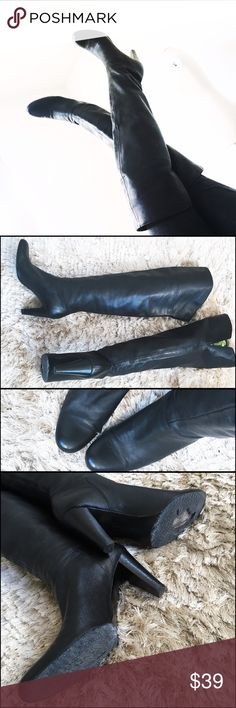 CALVIN KLEIN Black Leather Over the Knee Boots 9 Yes yes yes! That's what I said and my friends too but these are a big 8.5 (fit like a 9) and I'm a size 8. 🙁CALVIN KLEIN Collection boots, soft buttery leather, flawless condition on top, back slit. Only thing, these need to be re-soled. Although they've only been worn once, I had made the mistake of having them in freezing temperature and the rubber cracked. Easily resoled, I would do it but they're too big for me, low price reflects this…