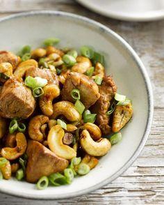 Wok van kip met cashewnoten en lente-ui #15gram