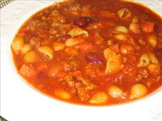 Made this tonight! Pasta E Fagioli Soup- Olive Garden Recipe (Favorite Pins Olive Gardens) New Recipes, Soup Recipes, Cooking Recipes, Favorite Recipes, Healthy Recipes, Pasta Recipes, Pasta Fagioli Recipe, Ground Beef Pasta, Olive Garden Recipes