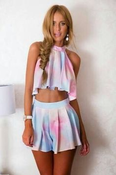 Short Two Piece Outfit Ideas Feel Free to Express Your Own Style with Your short two piece outfits.Today, these outfits are made to look extremely stylish while being efficient at the same time. We are lovin' the two piece set… Cute Summer Outfits, Outfits For Teens, Stylish Outfits, Bbq Outfit Ideas Summer, Casual Summer, Summer Dresses, Girl Fashion, Fashion Outfits, Womens Fashion