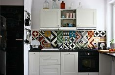 Kitchen, Purpura Tile Backsplash In Apartment Remodelista With White Cabinet Kitchen And Awesome Motif Of Tile Of Images Of Article With Theme About Colorful Tile Backsplash With Some Color Tile That So Awesome And Full Color With Some ✿ Traditional Kitchen Backsplash, Kitchen Tiles, Kitchen Decor, Kitchen Sink, Küchen Design, Interior Design, Patchwork Tiles, Patchwork Patterns, Tile Patterns