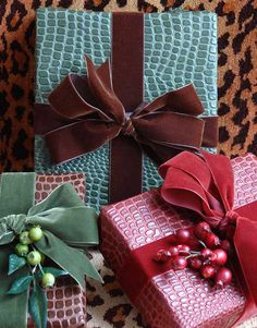 [Tips + Ideas] 'Holiday' Gift Wrap