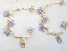 Forget me not Earrings, Tanzanite Earrings, Gold Vine Hoop, Nature Inspired, Dainty Jewelry - Frauen lieben Schmuck :) Dainty Jewelry, Cute Jewelry, Gold Jewelry, Jewelry Box, Jewelry Accessories, Jewelry Necklaces, Handmade Jewelry, Jewelry Design, Jewelry Making