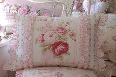 It's so shabby. All Ashwell fabrics used on this cushion. Shabby Bedroom, Shabby Chic Pillows, Shabby Chic Pink, Shabby Chic Style, Shabby Chic Decor, Sewing Pillows, Diy Pillows, Custom Pillows, Decorative Pillows