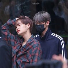 Daehwi: ugh its too early can we just go back to sleep hyung? Jinyoung: *not listening* *glaring at everyone who lays eyes on daehwi* bitch dont even think about it Jinyoung, Dan Lin, Jaehwan Wanna One, What Is Love, My Love, Cute Asian Guys, Woo Young, Lee Daehwi, Kim Jaehwan
