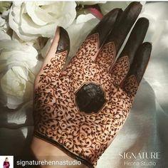 Mehndi Designs 2018, Mehndi Designs For Beginners, Mehndi Designs For Fingers, Bridal Mehndi Designs, Bridal Henna, Henna Designs, Tattoo Designs, Henna Art, Hand Henna