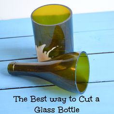 icu ~ Pin on Easy Craft Ideas ~ How to cut glass bottles - the best way! How to cut glass bottles so they don't shatter or crack, but cut cleanly for your upcycle projects. Bottle Cutter, Glass Cutter, Cutting Glass Bottles, Glass Jars, Wine Bottle Art, Wine Bottle Crafts, Wine Bottle Lanterns, Diy Bottle, Liquor Bottles