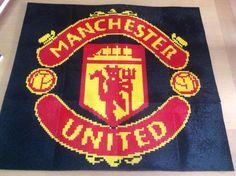 Manchester United Perler bead cross stitch pattern logo. Beaded Cross Stitch, Cross Stitch Patterns, Tapestry Crochet, C2c, Crochet Blanket Patterns, Manchester United, Perler Beads, Beading Patterns, Pixel Art