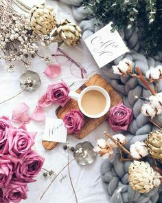 Flatlay Inspiration · via Custom Scene · scattered flowers with chunky blanket Flat Lay Photography, Coffee Photography, Coffee Break, Morning Coffee, Bouquet Cadeau, Photo Pour Instagram, Flat Lay Inspiration, Photo Grid, But First Coffee