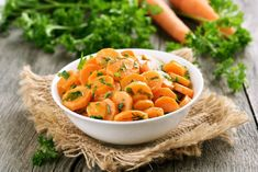 Glazed Ginger Carrots: Carrots come to life with a little bit of TLC. You just place the ingredients in a sauce pan, and the heat takes care of the rest. Greasy Food, Eat Seasonal, How To Eat Less, Recipe Images, Food Waste, Vegetable Salad, Eating Plans, Lunches And Dinners, Superfood