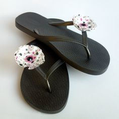 Polka Dot Shoe Clips...up for Auction Mar. 6th @ 9:00 pacific time $4.00 & Free Shipping via TopHatter