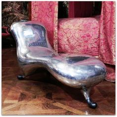 Marc Newson - 'Lockheed Lounge' #makeyourselfcomfortable @ChatsworthHouse Quail, Lounge, Make It Yourself, Twitter, Furniture, Home Decor, Airport Lounge, Decoration Home, Room Decor