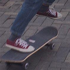 skater boy girl female male aesthetics aesthetic fashion style park skateboard pose vibes fun for boys 𝐸𝑚𝑖𝑙𝑖𝑎 ☁︎ Aesthetic Grunge, Aesthetic Vintage, Aesthetic Clothes, Aesthetic Anime, Music Aesthetic, Mode Grunge, Grunge Goth, Emo Goth, Spitfire Skate