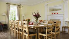 Pedington Manor - Large Cotswolds House - kate & tom's - The Big Cottage Company - Light and airy dining room at Pedington Manor in the Cotswolds