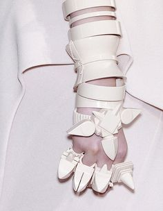 Givenchy fall 2009 couture accessories