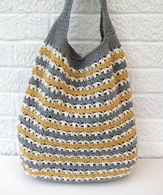 Knitted Grocery Bag Pattern Ravelry Grrlfriend Market Bag Pattern By Laura Spradlin, Tote A Knitted Bag To The Farmers Market This Summer, 23 Market Bag Patterns To Crochet Knit Or Sew Wee Folk Art, Free Crochet Bag, Crochet Market Bag, Love Crochet, Filet Crochet, Beautiful Crochet, Crochet Stitches, Knit Crochet, Crochet Patterns, Crochet Bags