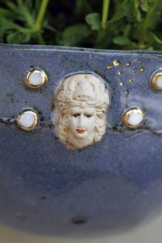 hauptsache keramik: Rote Lippen und Schnecken