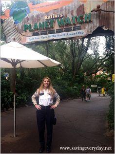 What Working At Disney Taught Me #disney #disneyworld  - http://www.savingeveryday.net/2013/07/new-series-what-working-at-disney-taught-me/