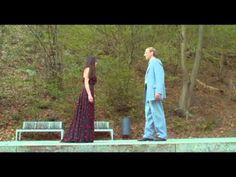 Pina è un film per Pina Bausch di Wim Wenders. Il regista ci guida in un viaggio sensuale e di grande impatto visivo, seguendo gli artisti della leggendaria ...